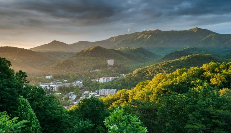 4 Reasons to Stay at Our Vacation Cabins in Gatlinburg TN This Spring