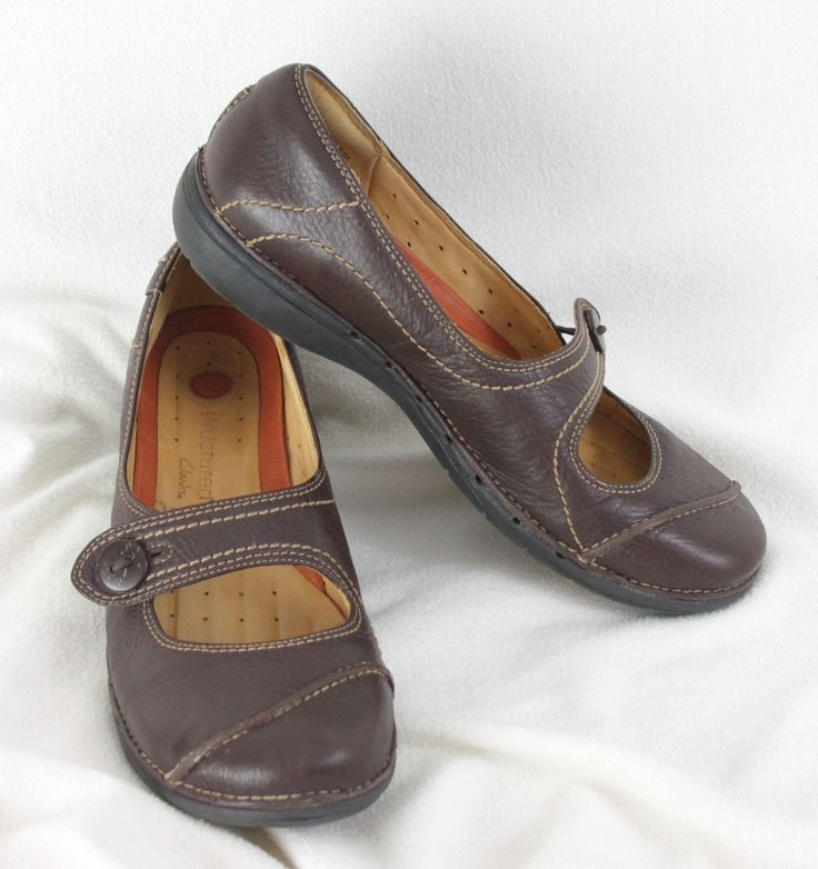 Structured Clarks Womens Shoes