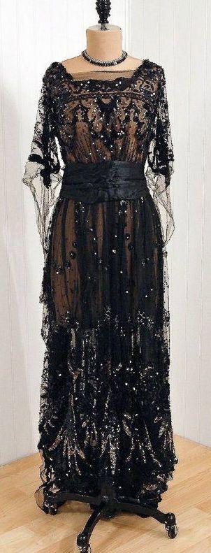 Evening dress, circa 1910.