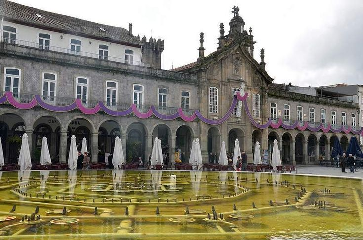 """Visit the beautiful """"Arcada da Lapa"""", in Braga - here you can also find a church, built amongst the arches."""