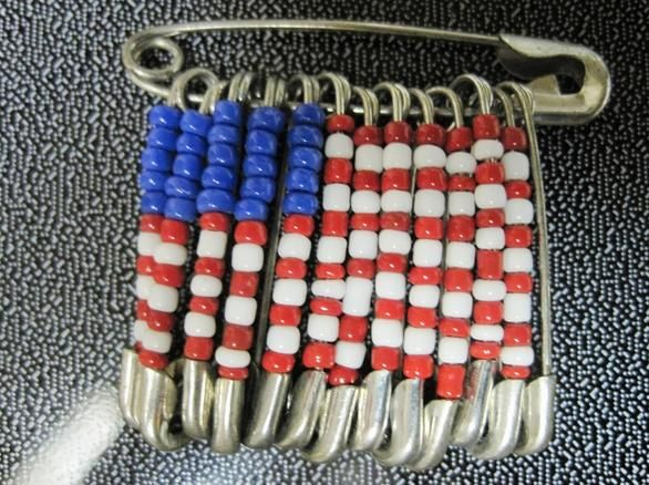 A fun and easy DIY craft project for these adorable patriotic pins that can be worn on 4th of July, Memorial Day, or all year 'round to show your American pride! Don't forget to share this super easy craft with your friends and family on Facebook, Pinterest, or Twitter!