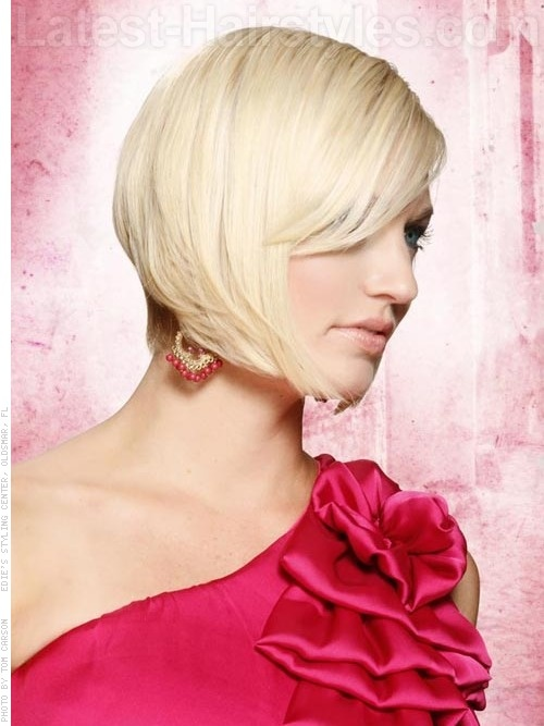 Love this cut, but not sure my hair will play along with the straight look these days