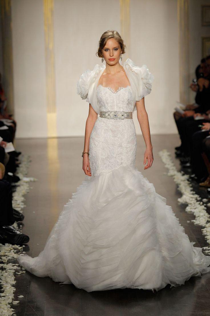 Perfect Lazaro Wedding Gown