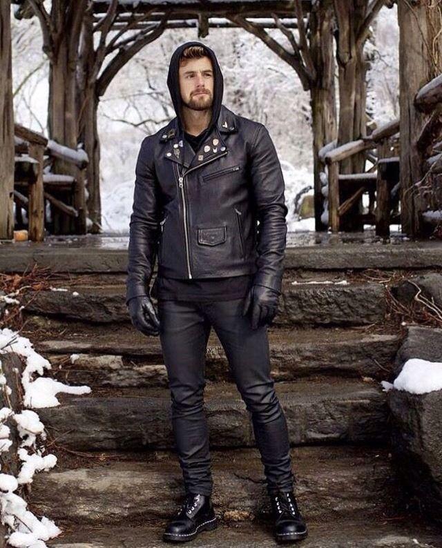 8d4fdf120 Black Leather Biker Jacket, leatherandbeards: @isnathan | Look Book ...