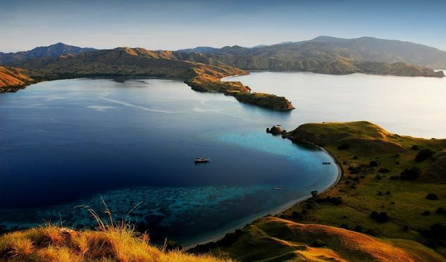Komodo Islands National Park - Popular Natural Spots in Indonesia