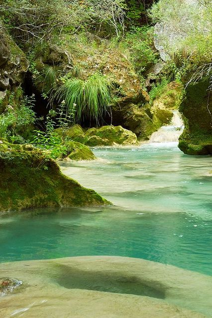 Nacedero del Urederra, en la Sierra de Urbasa, Navarra