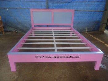 Tempat Tidur Anak Cewek Pink 350x262 Tempat Tidur Anak Cewek Pink