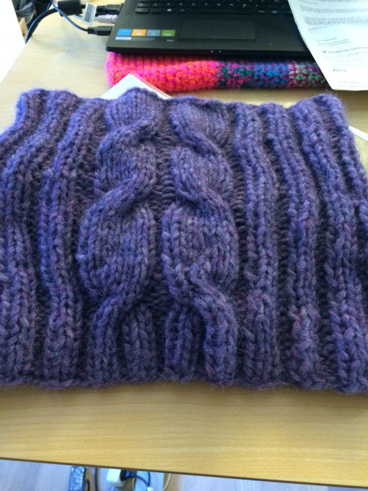 Cushy cable cowl, knitted