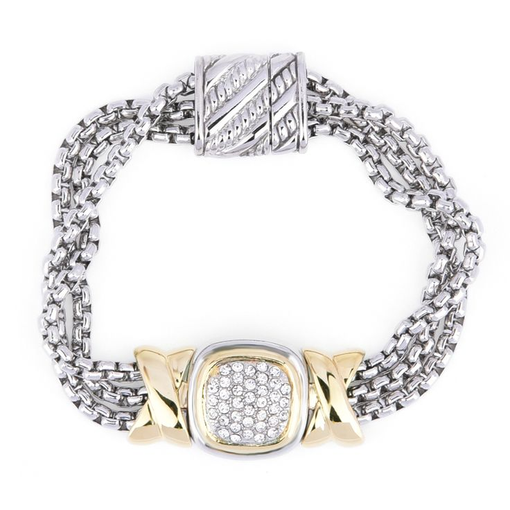 Fancy some two tone jewelries? This is the exact piece for gold & silver tone combination lovers.