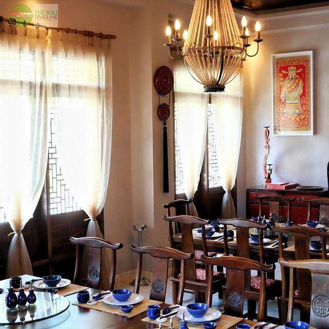 Food Blog Bali  Ini salah satu sudut dari ruang makan yang bisa digunakan untuk group dan event di restaurant ini.  Kami sangat menikmati design dari restaurant ini saat sedang bersantap disana memberikan pengalaman tersendiri sambil menikmati hidangan mereka yang nikmat di lidah.    @happychappychinese  Rp 50k - Rp 200k  Jl. Beraban No. 62 (belakang Rumors)    #interiordesign #restaurantdesign