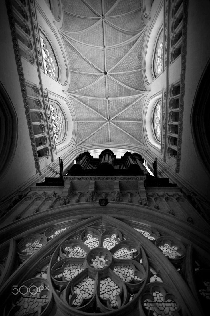 Gótico - Catedral de S. Corentin, Bretanha, França