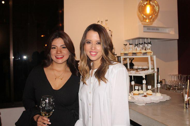 ¡Happy anniversary Our Favorite Style El reconocido #FashionBlog celebró cinco años junto amigos y familiares.  ¡Felicidades Raquel y María José! #Cheers por muchos años más.