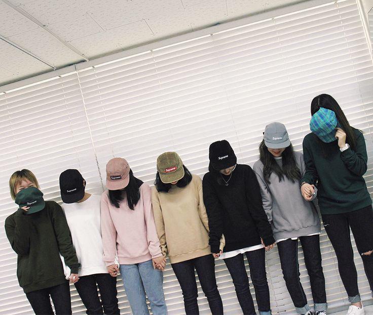 Supreme girls - Cap collection (©ha-roro)