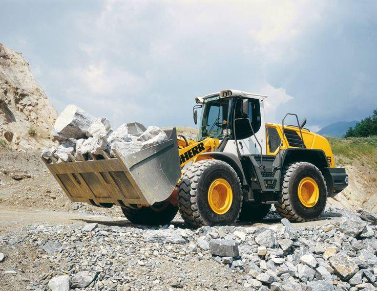 #pala gommata Liebherr L566 @Liebherr Group of Companies : ritrovala nel nostro articolo sulla TOP 10 2013 delle #macchine movimento terra: http://blog.machineryzone.it/2014/02/2013-magnifici-10-seconda-parte/