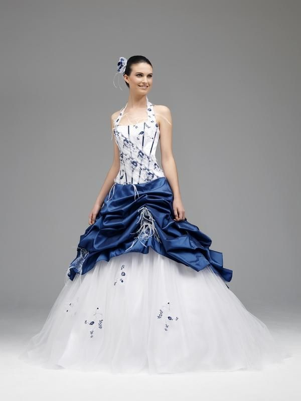 Les 25 meilleures id es de la cat gorie robes bleu royal for Robe bleue royale pour mariage
