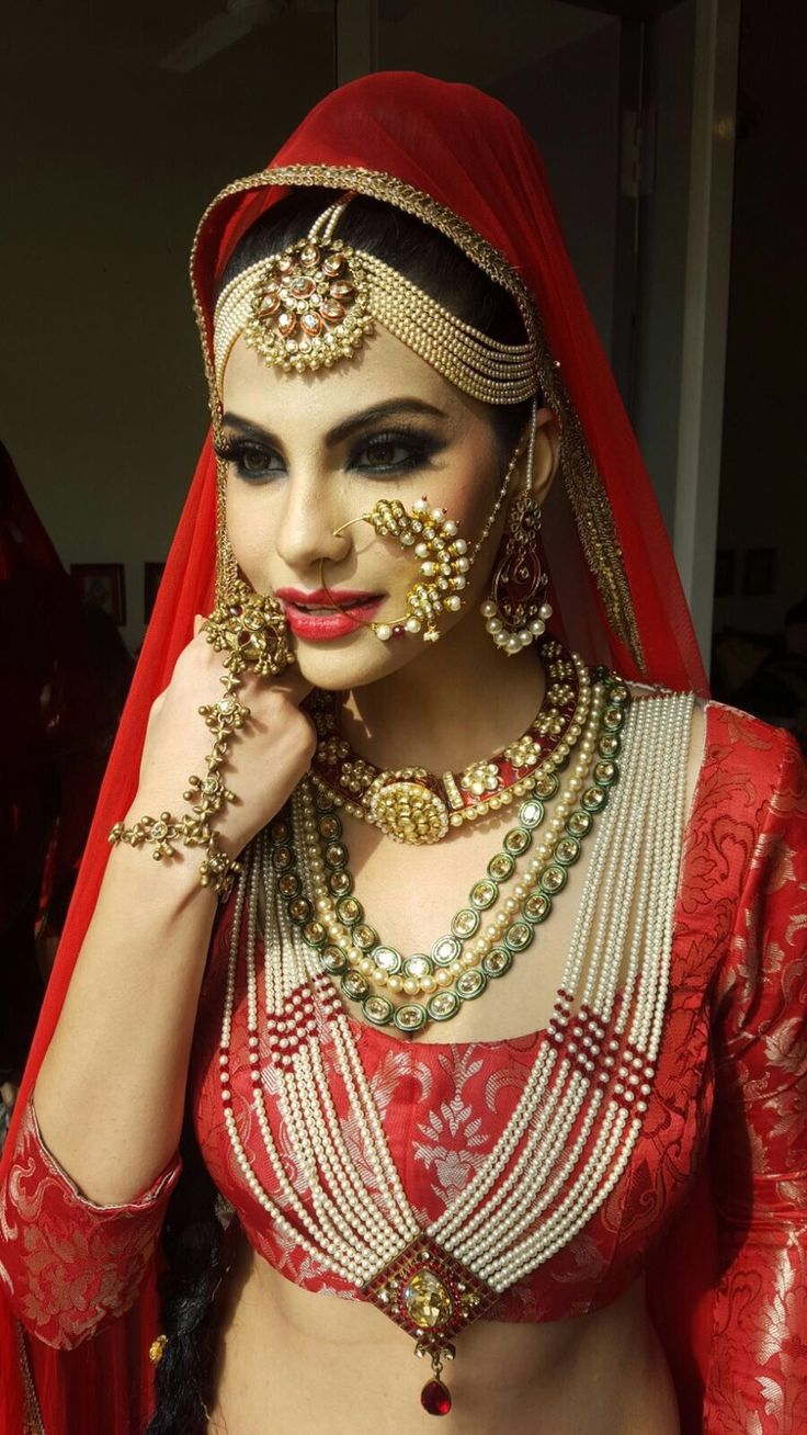 Jewels pinterest beautiful indian wedding jewellery and jewellery - Gold Mathapatti With Pearls Rani Haar
