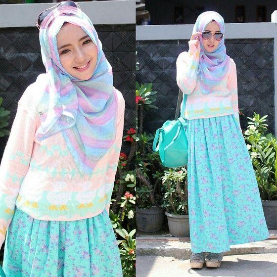Tips Padupadan Hijab Dengan Pakaian Berbahan Rajut Untuk Tampil Chich Ke Kampus