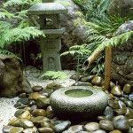 traditional-japanese-courtyard-with-water-fountain