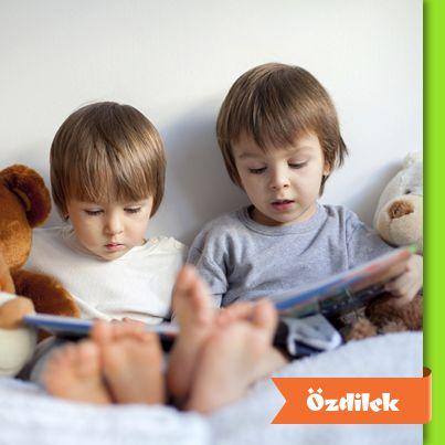 Çocuklarınıza kitapları sevdirmek için okuduğu kitaptaki karakterleri birlikte canlandırarak, hem onunla iyi vakit geçirebilir hem de okuduğu kitapla bağ kurmasını sağlayabilirsiniz.