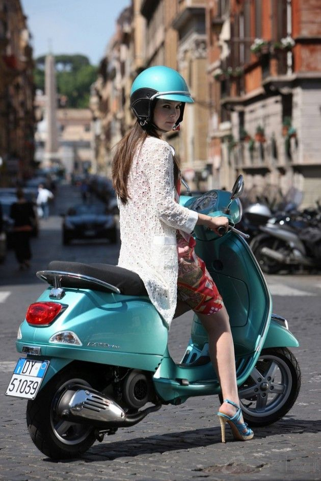 Touring Rome on a Vespi #holtspintowin