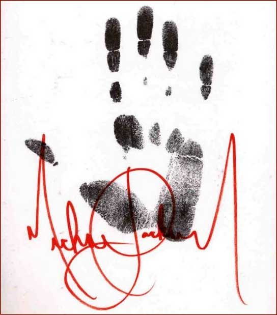 Michael Jackson hand! Great! L.O.V.E.