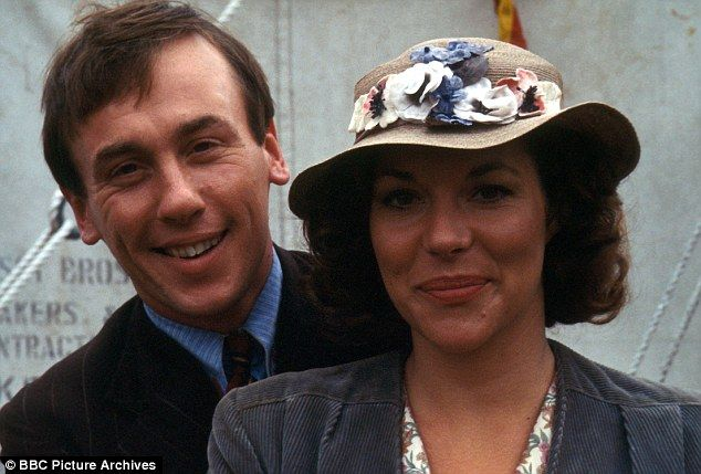 Christopher Timothy and Carol Drinkwater as James and Helen Herriot.