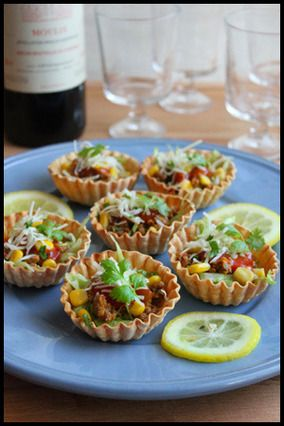 簡単パーティーフード!餃子の皮カップでタコス|レシピブログ