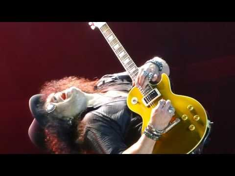 "Guns n' Roses ""Slash Solo""&""Sweet Child Of Mine"" Mpls,Mn 7/30/17 HD - YouTube"