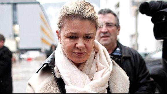 Corinna, sotia lui Michael Schumacher, a transmis un comunicat presei, marti, în care face apel pentru ca medicii si familia sa sa fie lasati în pace, iar jurnalistii sa plece de la clinica din Grenoble, unde este internat fostul pilot.