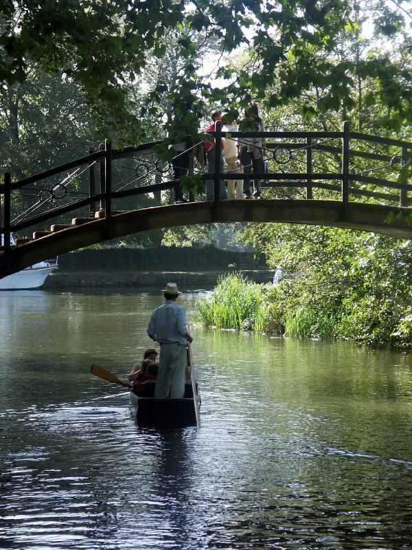 Punting on the river Oxford, Oxford England My Aun…