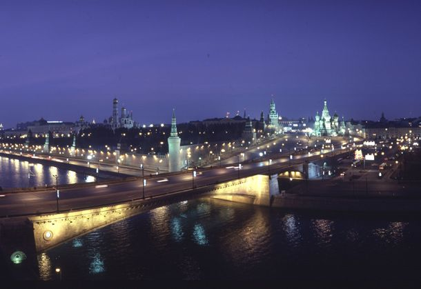 Zugreisende in Russland sollen von der Visum-Pflicht befreit werden. Neues Gesetz geplant. http://www.travelbusiness.at/news/russland-visum-pflicht-business-tourismus-geschaeftsreisen/0015575/