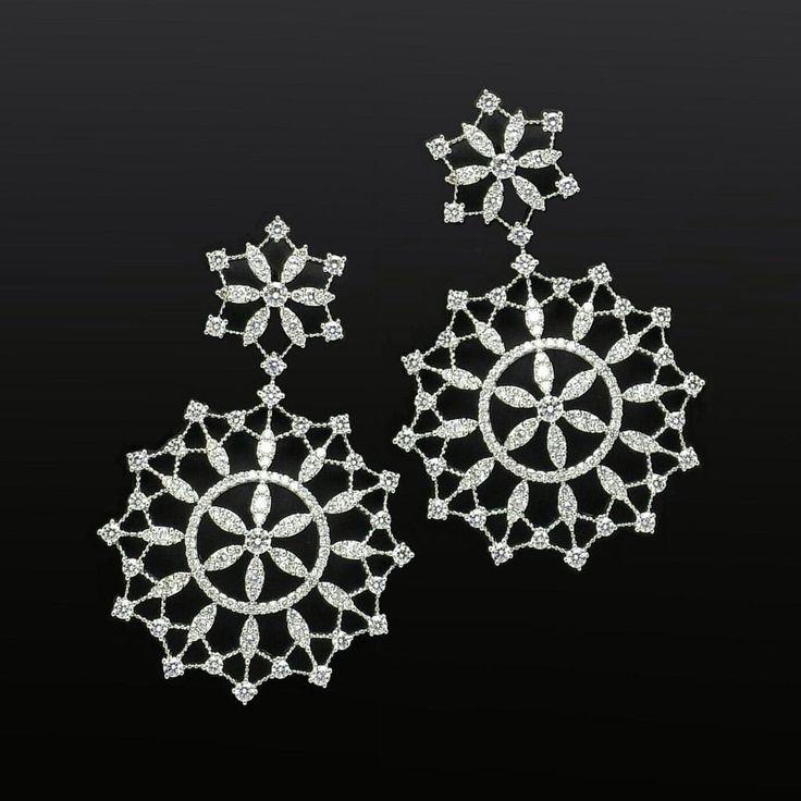 #leopizzo #earrings #newcollection #baselworld2015 #brilliants #arte #wheel #circle #sophisticated #pendent #light #orecchini #arte #leggeri #modern #pieceofart #craftsman #madeinitaly #gioielli #stilish #stilosi #contemporary #contemporanei #roma #milano #taormina#madewithlove#handmade#italia#italy