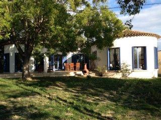 Villa in Nissan-lez-Enserune met 4 Slaapkamers, plaats for 13 personenVakantieverhuur in Nissan-lez-Enserune van @homeaway! #vacation #rental #travel #homeaway