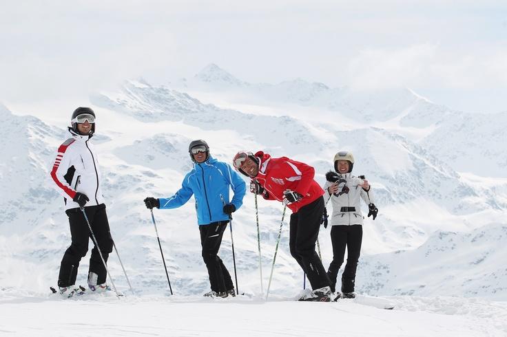 Santa Caterina è la base ideale per le tue ascensioni, il nostro Hotel Vedig propone pacchetti con escursioni accompagnati da: - Guide Alpine - Servizio transfer dall'Hotel verso la valle dei Forni - Lavaggio dell'abbigliamento tecnico