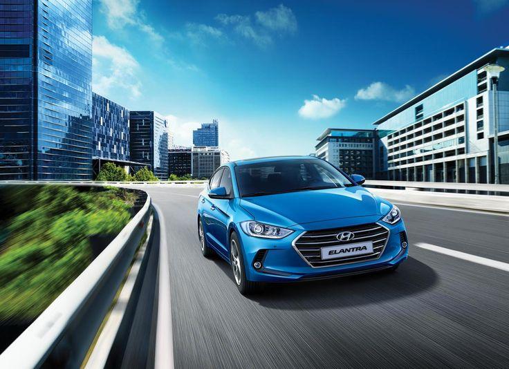 Hyundai prezentuje swoje dwa nowe modele w Poznaniu - Elantra oraz IONIQ, z czego pierwszy z wymienionych będzie miał swoją premierę Europejską. Którą z koreańskich nowości wybralibyście?  #Hyundai #Elantra #IONIQ #motorshow2016 #MotorShow Więcej na temat: https://www.moj-samochod.pl/Nowosci-motoryzacyjne/Europejska-premiera-nowego-Hyundai-Elantra-w-Poznaniu