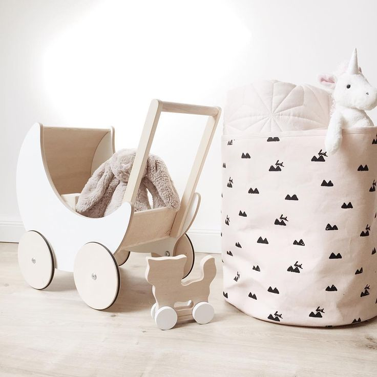 ferm LIVING Kids Medium Rose Rabbit basket in 100% organic cotton. Inside mad of non-woven fusing paper. Perfect in the kids room for small toys, clothes etc. Printed by hand. View more here: http://www.fermliving.com/webshop/shop/rose-rabbit-basket-medium.aspx