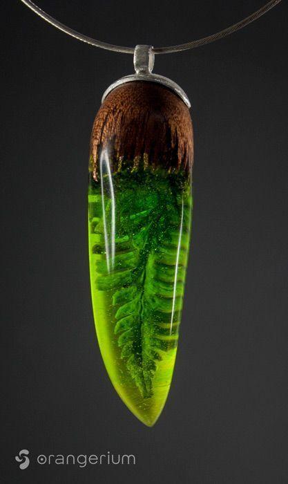 Genießen Sie die Schönheit der Natur in einzigartigem handgefertigtem Schmuck. Wald inspiriert Harz w …