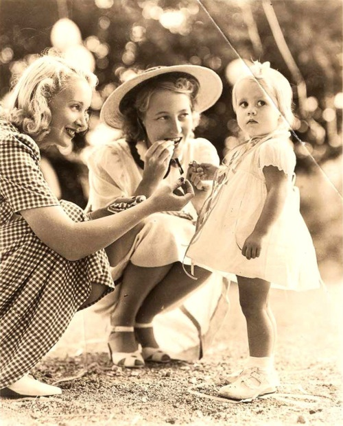 Jane Fonda around 2 years old with Virgina Bruce and Frances Ford Seymour (Jane's Mom)