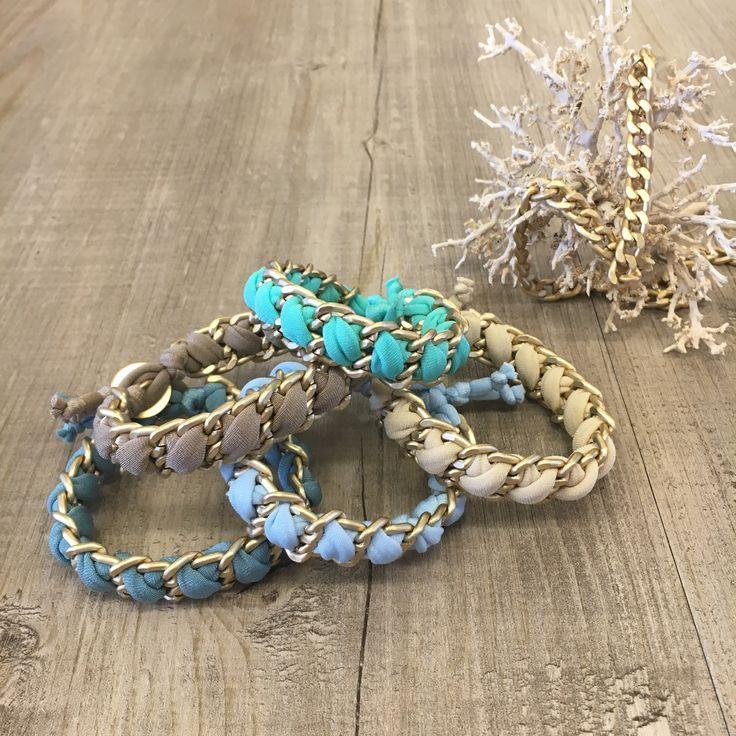 #duepuntihandmade #handmade #handmadewithlove #handmadejewelry #bracelets #chain #doityourself #diy #summer #waitingsummer #colors #sea #gifts #news #windowsdisplay #vogliadimare #vogliadimare