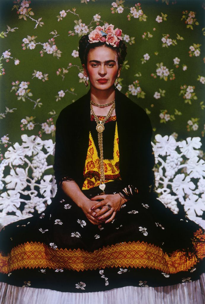 Frida sulla panchina bianca, New York, 1939   Nickolas Muray Palazzo Ducale, Genova fino all'8 febbraio 2015