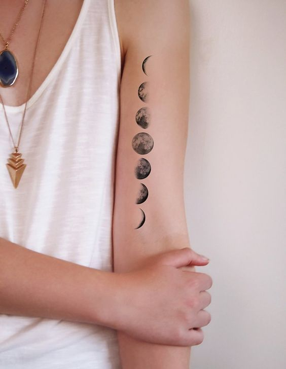 This temporary moon phase tattoo is so cool.: