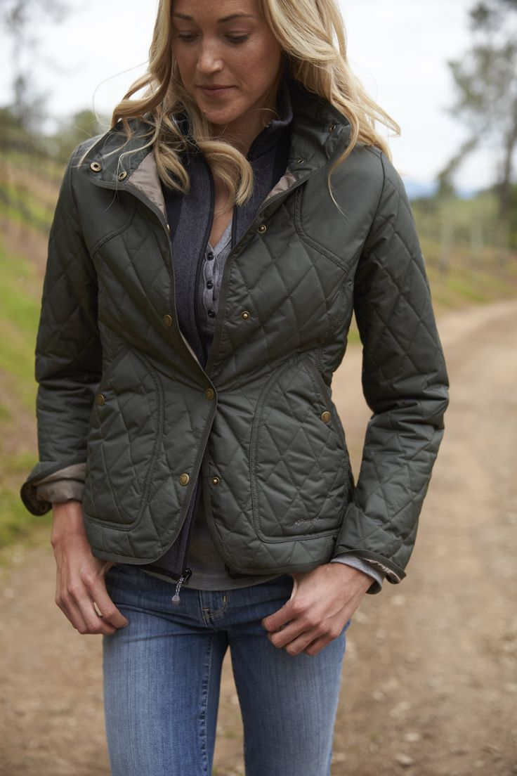 Women's Year-Round Field Jacket | Light enough for spring and summer, yet warm enough to take you comfortably into the field in winter. Sheds moisture to keep you warm even in damp conditions.