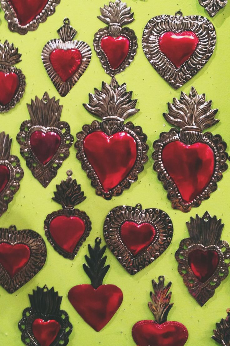 Sagrado Corazon de Lamina repujada, artesania Mexicana.