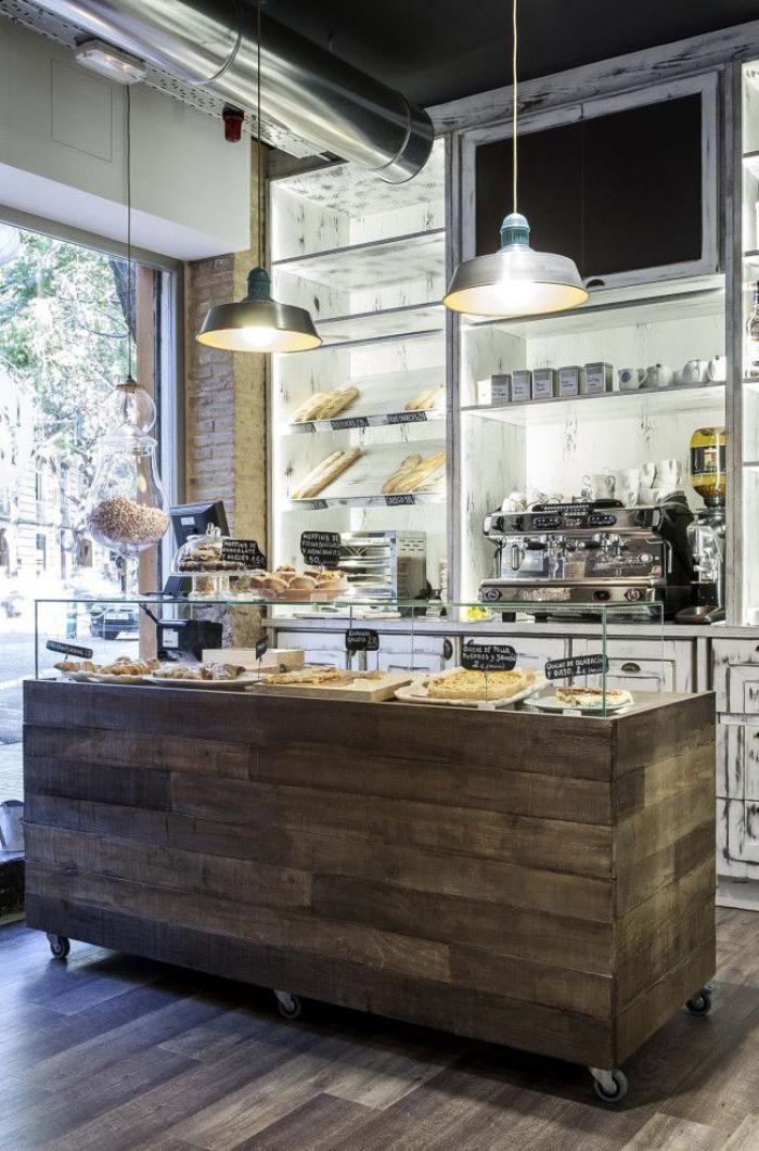 comptoir en bois recyclé, comptoir en bois de palette, boulangerie design industriel