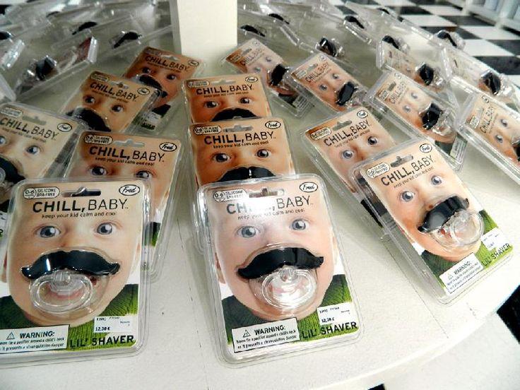 ¡Un ejército de bebés con bigote invade la Tierra! ¿Está el suyo preparado? http://gnomo.eu/bigopete