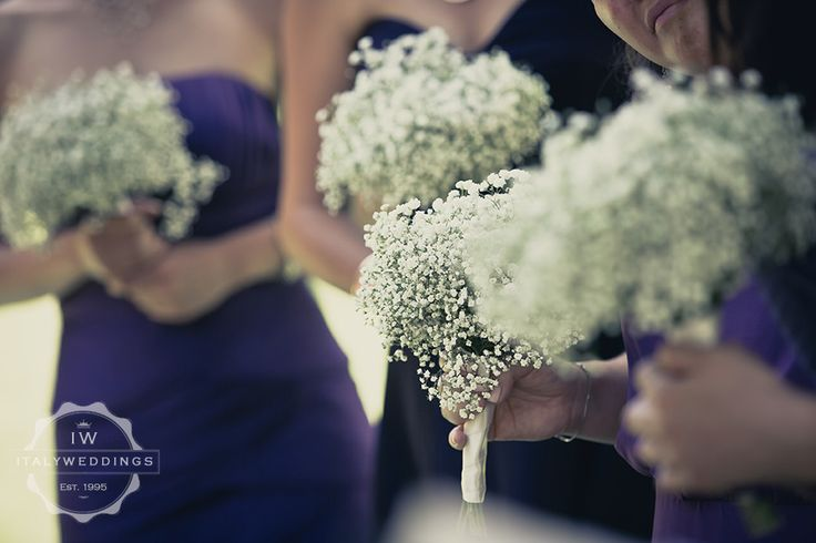 using baby's breath in bridesmaids bouquets