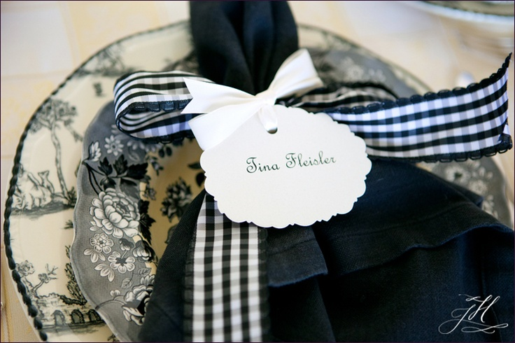 scalloped name cards
