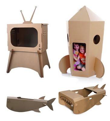 Em: http://produtoecosustentavel.blogspot.pt/2012/01/brinquedo-de-papelao.html