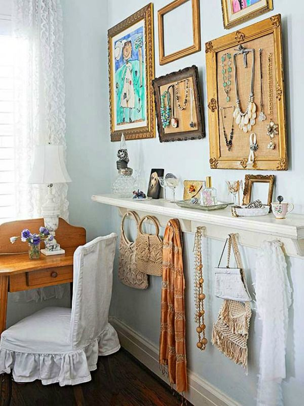 Frugal Crafty Ways To Decorate Your Home... Accessory wall !! LIKE !!