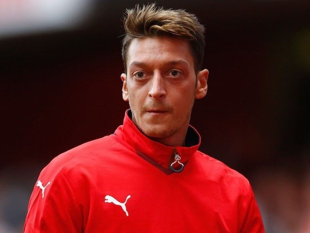 Team News: Mesut Ozil misses out for Arsenal #Arsenal #Manchester_City #Football
